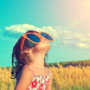 Crianças Precisam Usar óculos De Sol!