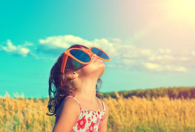 b03200f635481 Crianças precisam usar óculos de sol! - Abióptica