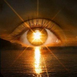 Cuidado: Exposição Dos Olhos Aos Raios Solares Pode Causar Nove Doenças Oculares. Usar óculos Escuros é Fundamental