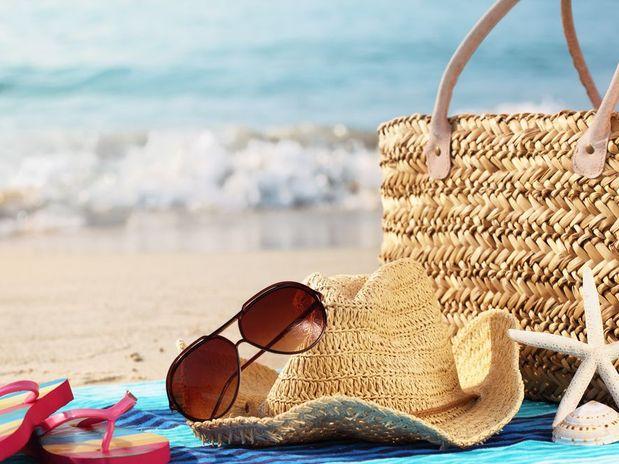 8cc92975ad112 Tendências em óculos de sol para o Verão 2018. Os óculos de sol oferecem  mais que proteção. Eles são protagonistas dos looks diurnos em qualquer  estação ...
