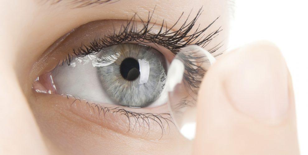 77a973b80 Usar lentes de contato em demasia pode causar até doença grave ...