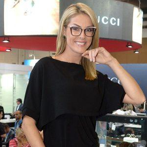 Ana Hickmann Faz A Alegria De Fãs Em Feira De óculos