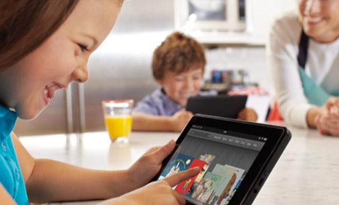 Crianças E Tablet