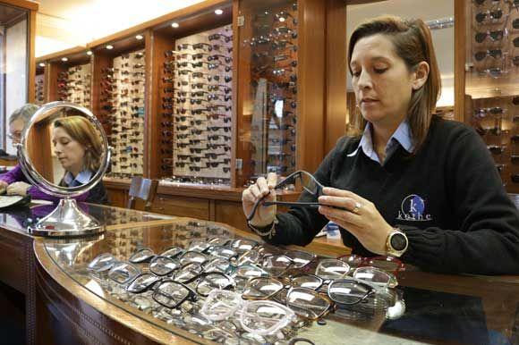 Fundação Abióptica oferece testes gratuitos de acuidade visual em ... 82f550a973
