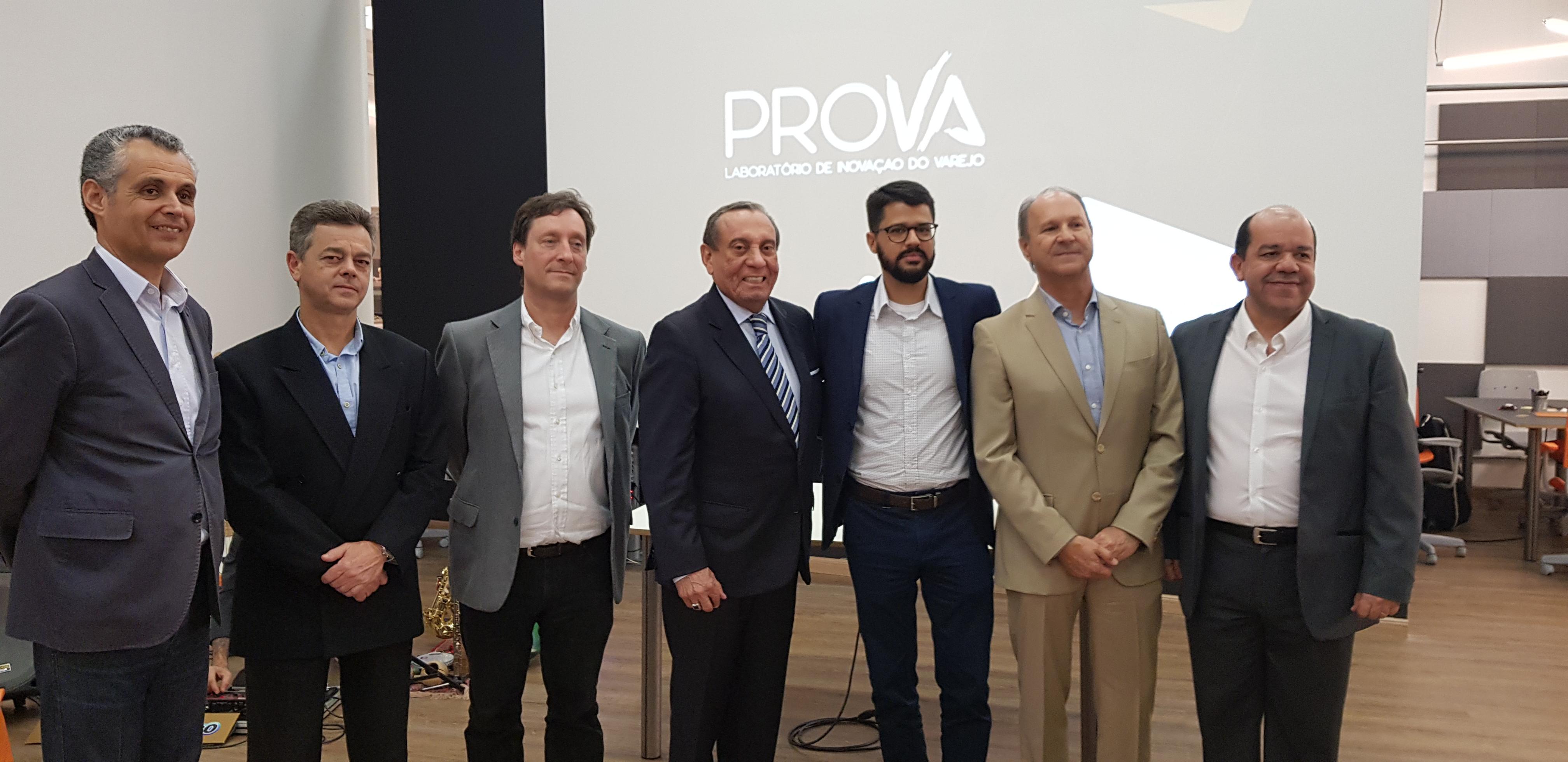 Abióptica firma parceria com o ProVA e incentiva inovação no varejo óptico 24481e8bf2