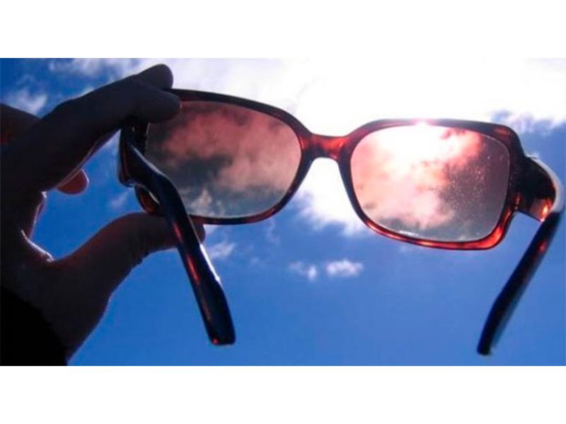 eec56759d3eff Usar óculos de sol falsificado pode causar doenças, alerta oftalmologista